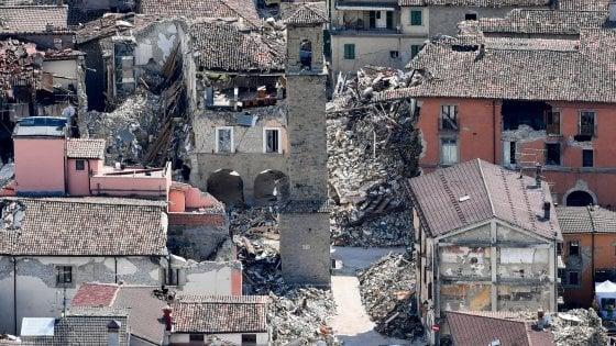 """Terremoto, 294 i morti accertati.  Errani: """"Gestione emergenza e ricostruzione in contemporanea, per ridurre i tempi"""""""