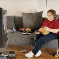 Contro l'obesità, la Francia prepara una tassa sul cibo-spazzatura