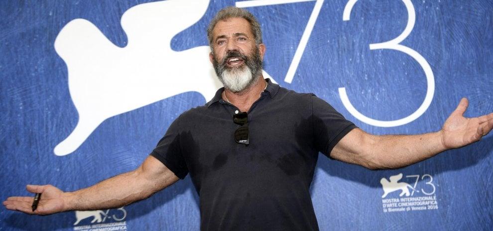 """'Hacksaw Ridge', il supereroe senza costume di Mel Gibson: """"Celebriamo una vera leggenda"""""""
