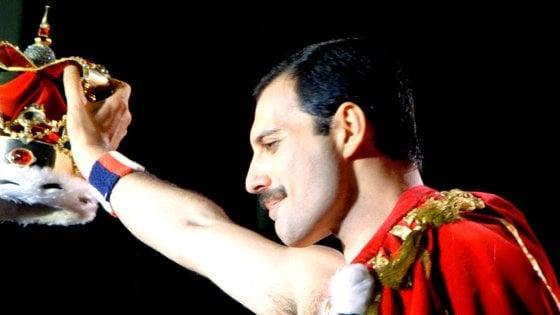Freddie Mercury, 70 anni da divo. La star che voleva andare all'inferno