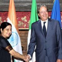 Gentiloni incontra il ministro degli Esteri indiano. Disgelo dopo il caso marò