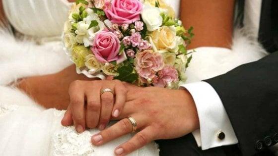 Coppia etero resta sposata anche se lui ha cambiato sesso