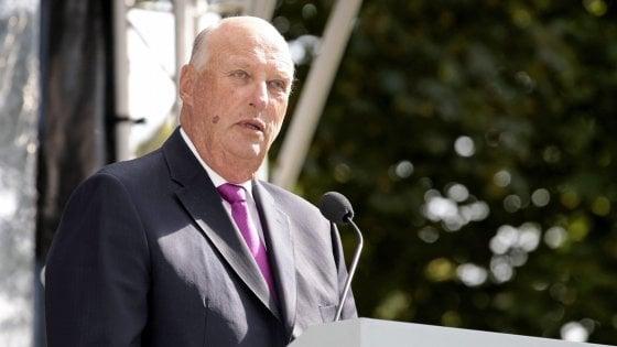 """Re Harald contro l'intolleranza: """"Siamo tutti norvegesi, etero e gay, cristiani e musulmani, chi è nato qui e chi è immigrato"""""""