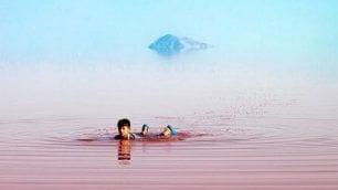 Il lago Urmia è uno specchio rosa Tutta colpa dell'estrema siccità