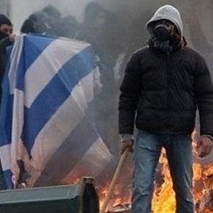 Grecia: ancora violenze, assalto hooligans alla compilazione del calendario di serie B