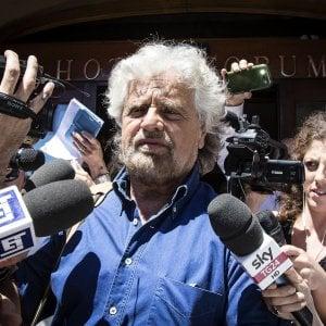 """Caso Roma, Grillo: """"Ce la faremo, basta ripartire col piede giusto"""". Di Battista annulla il tour e Di Maio diserta la prima di Politics"""