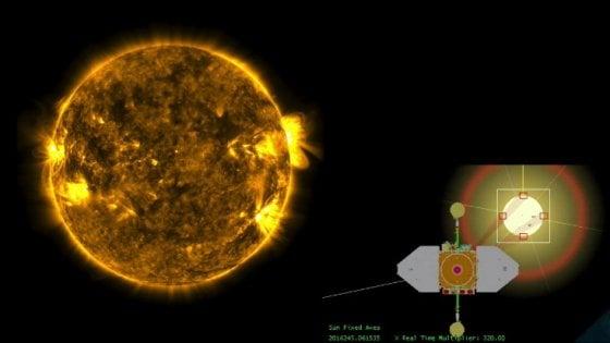 Spettacolare eclissi di Sole vista dallo spazio