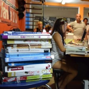 """Gli scrittori per la scuola. """"Vendite da bestseller senza diventare star"""""""