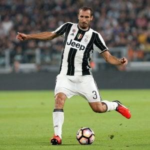 Juventus, l'azzurro costa caro: Chiellini resta fuori