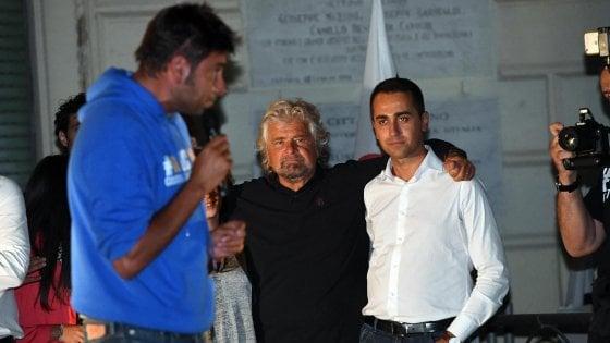 """Caos Roma, Grillo: """"Raggi avanti, noi vigileremo"""". Di Maio: """"Ho sottovalutato caso Muraro"""""""