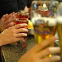 """""""Lo sport potrebbe compensare i rischi di morte  per alcol"""". L'esperto: """"Se il tasso è..."""