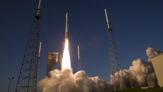 Lanciata la sonda Osiris-Rex, porterà un campione dell'asteroide Bennu