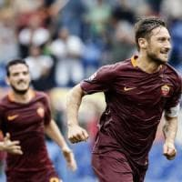 Roma-Sampdoria 3-2, Totti entra e rialza i giallorossi