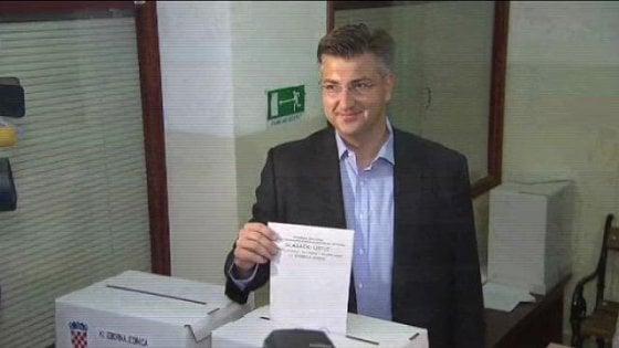 Elezioni Croazia, exit poll: lieve vantaggio del centrosinistra