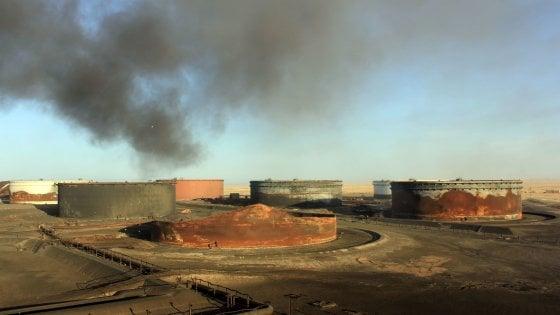 L'Italia invia un contingente di 300 uomini in Libia. Ripresa l'offensiva dei pozzi petroliferi