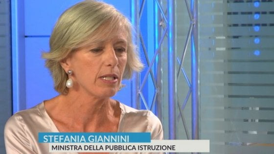 """Scuola al via tra polemiche e buoni propositi, la ministra Giannini: """"Sarà un anno di sfide"""""""