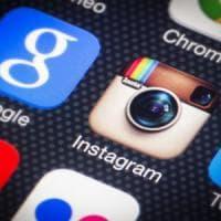 Instagram censura le parole offensive: un filtro automatico per i commenti inappropriati