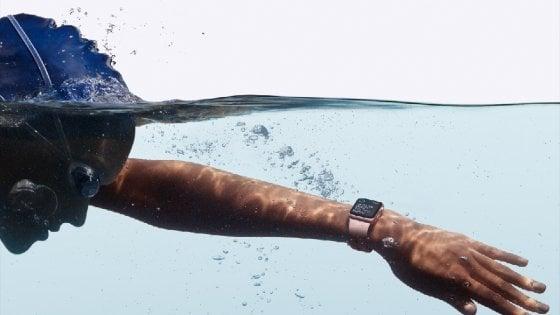 Apple Watch, ecco la Serie 2: così cambia lo smartwatch della Mela