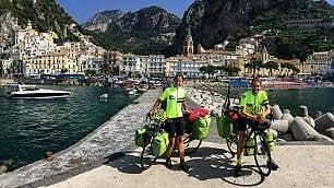 """""""Il nostro viaggio in Italia per svelarla dalla bicicletta"""" /   Foto"""