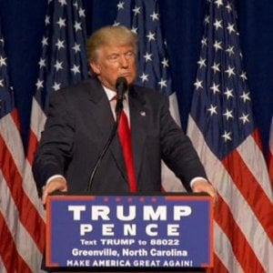 Trump-Clinton, sempre più testa a testa: per il L.A. Times il tycoon è a +6 punti