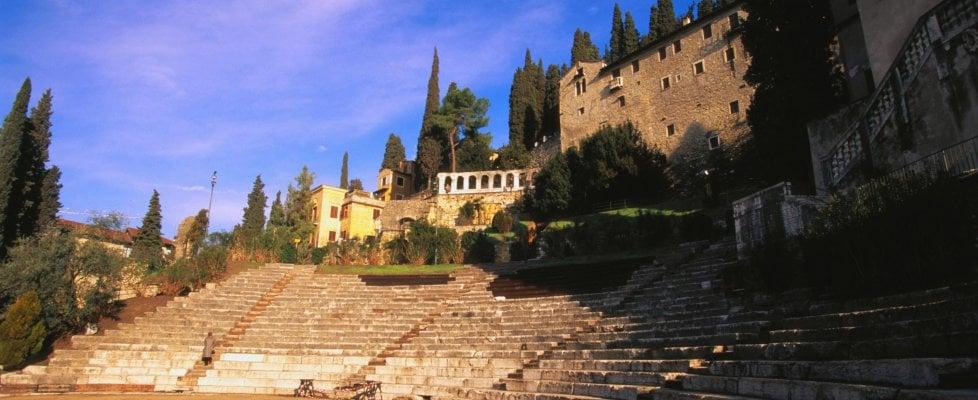 """""""Pista di ghiaccio nel Teatro romano"""", l'ultimo sfregio ai tesori di Verona"""
