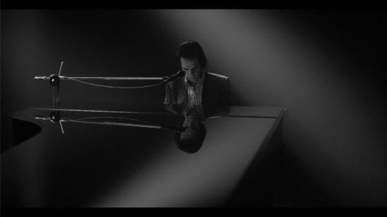 """Nick Cave, scatenando la musica dentro l'abisso: """"Tutto ha un prezzo"""""""