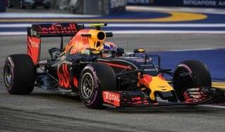 F1, Singapore: Rosberg il più veloce del venerdì, Raikkonen lo tallona