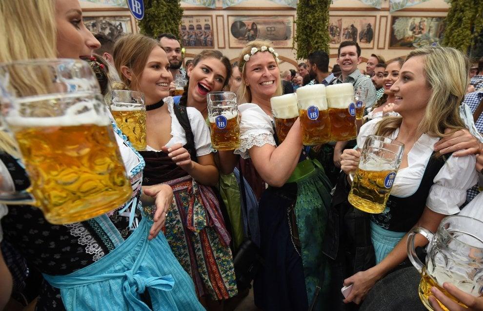Monaco, comincia l'Oktoberfest 2016: festa blindata per paura di attentati