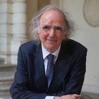 """Vittorino Andreoli: """"Amo i criminali e gli emarginati, sono metà psichiatra e metà matto"""""""