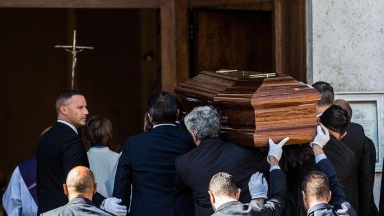 Ciampi, oggi l'addio: funerali in forma privata