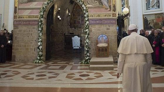 """Papa Francesco ad Assisi """"tutti insieme per pregare e non per fare spettacolo"""""""