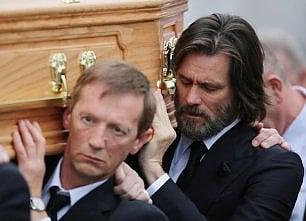 Jim Carrey citato in giudizio per la morte della ex compagna