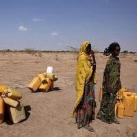 Etiopia, prima la siccità poi gli alluvioni. La campagna Amref per sostenere