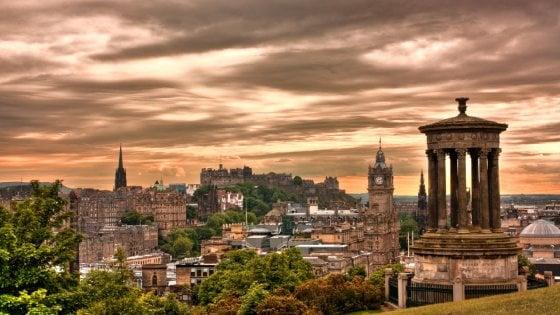 Il fascino di Edimburgo in ogni stagione