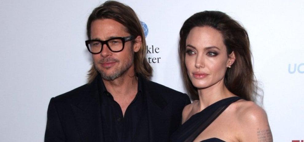 """Brad Pitt furioso con Angelina e lotterà per i figli. Clooney: """"Mi spiace"""""""