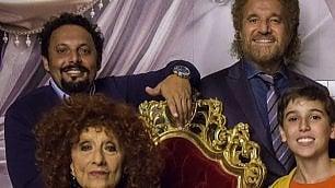 De Sica e Brignano nella commedia di Natale: I ricchi non friggono