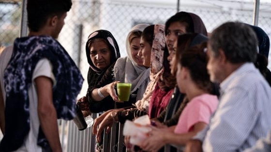 """Migranti, il modello Calò dell'accoglienza: """"Così abbiamo adottato sei rifugiati"""""""