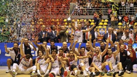Basket, la Supercoppa apre la stagione: Milano sfida un altro tabù