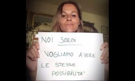 """""""Con la lingua dei segni, io sono uguale"""": a Roma la giornata mondiale del sordo"""