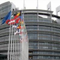 Europa-Usa, tutti i fronti dello scontro commerciale da Apple a Volkswagen