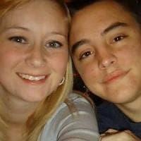 """Muore Katie Prager a pochi giorni dal marito Dalton. La coppia ispirò """"Colpa delle stelle"""""""