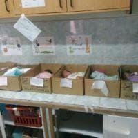 """Venezuela, neonati dormono nelle scatole di cartone. I dirigenti dell'ospedale: """"Attacco mediatico"""""""