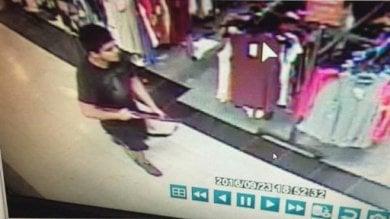 Usa: sparatoria in un centro  commerciale a Seattle: 4 morti