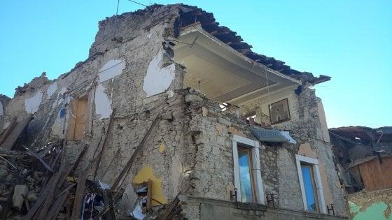 """Terremoto, un mese dopo. Vescovo di Rieti: """"Chi ricostruirà non sia deviato da altri interessi"""""""