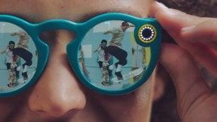 Snapchat lancia gli Spectacles    gli occhiali social fanno i video