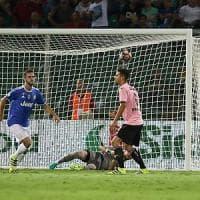 Palermo-Juventus 0-1: serve un autogol di Goldaniga, i bianconeri restano primi