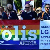 La sfida dei gay in divisa: