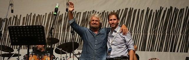 Italia 5 stelle a Palermo, Grillo sul palco: Sono rientrato