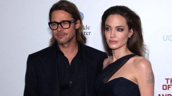 Angelina Jolie blocca Brad Pitt sul telefono: niente chiamate o messaggi