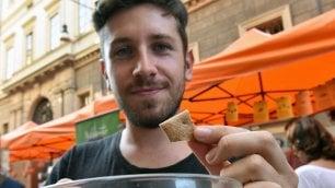 Insetti al Salone del gusto  /   Foto    La farina di grilli cibo del futuro